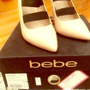 Bebe heel shoe! Fun Black and Tan contrast.
